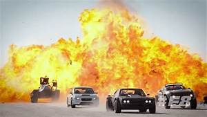 Fast And Furious F8 : video fast and furious 8 team sets iceland on fire motoroids ~ Medecine-chirurgie-esthetiques.com Avis de Voitures