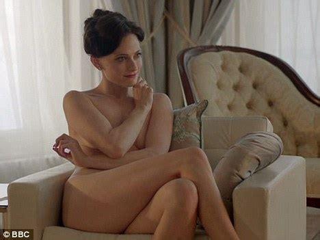 actress irene kelly lara pulver bbc sherlock holmes actress is single after