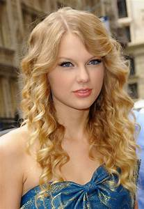 Ly Hairstyles: Taylor Swift long curly hairstyle  Wavy