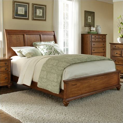 broyhill sleigh bed broyhill hayden place sleigh bed in warm golden oak 4645