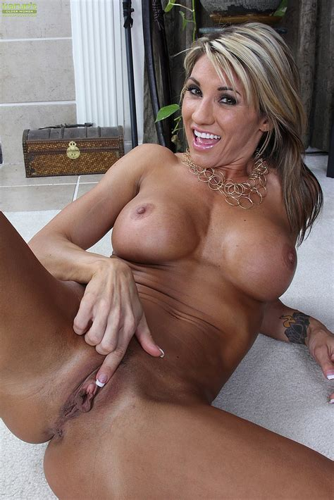 sexy milf mercedes johnson flick her slit busty vixen