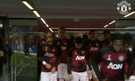 (Video) Man United players warm-up ahead of tonight's ...