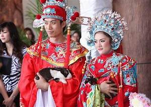 Unique Traditional Wedding Outfits From Around the World ...