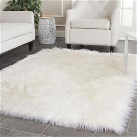 fluffy white rug 25 best ideas about fluffy rug on white
