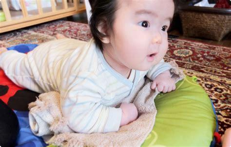 赤ちゃん うつ伏せ 練習 いつから