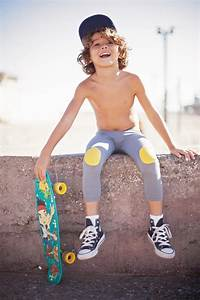 KID Fashion Blog Funky boys leggings - Loola Baby editorial