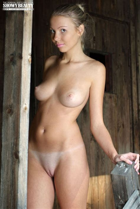 Perfect Naked Babe Sexy Picture