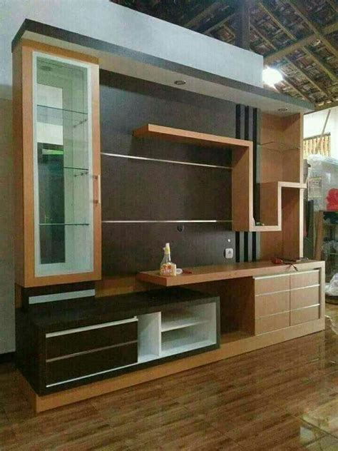 Whether you are designing your living room from scratch or looking for ideas, we have for smaller and more intimate spaces, where large living room furniture just won't fit, consider going with modern benches and low stools to provide seating. Living room TV kebinet (With images) | Wall tv unit design ...