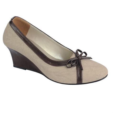Sepatu Kerja Wanita Merk Everbest jual catenzo sm 248 sepatu pantofel wanita merk catenzo