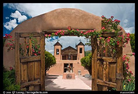 picturephoto el sanctuario de chimayo  mexico usa