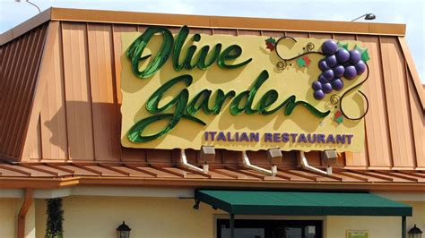 olive garden dallas how darden is rivaling brinker with its purchase of