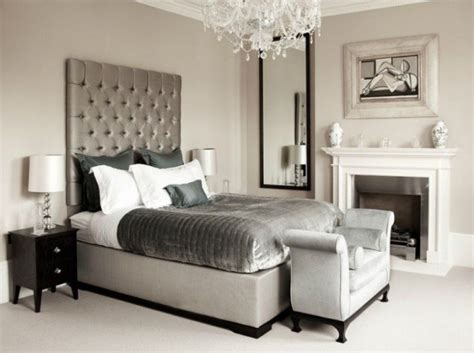 Silver Bedroom Designs For Royal Look In The Home