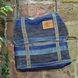 Nähen Aus Alten Jeans : cooper aus alten jeans tolle upcycling idee colette cooper taschen n hen jeans tasche ~ Frokenaadalensverden.com Haus und Dekorationen