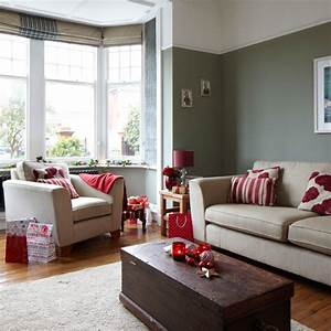 Grey and red festive living room housetohomecouk for Gray and red living room