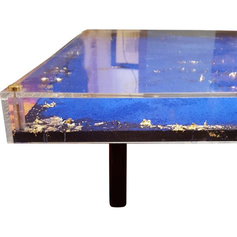 table basse originale table basse originale en altuglas et feuille d or 2000 design market