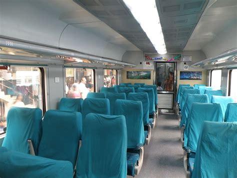 indias fastest train covers delhi agra   mins