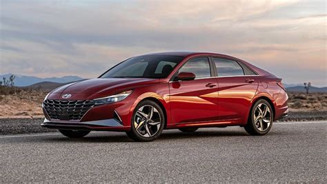 New Hyundai i30 sedan 2021 detailed: Elantra name retired ...