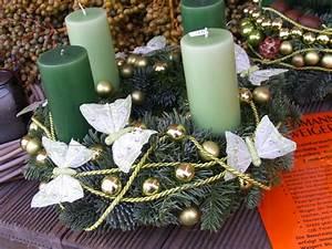 Weihnachtskranz Selber Machen : modernen adventskranz selber machen 43 inspirationen ~ Markanthonyermac.com Haus und Dekorationen