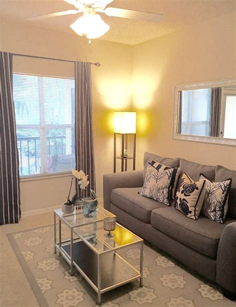 simple apartment decoration   steal decorative