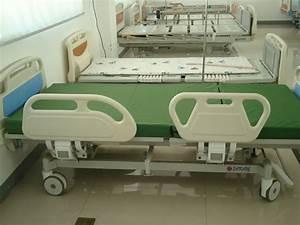 Double Crank Hospital Bed Offered By Jiangsu Saikang