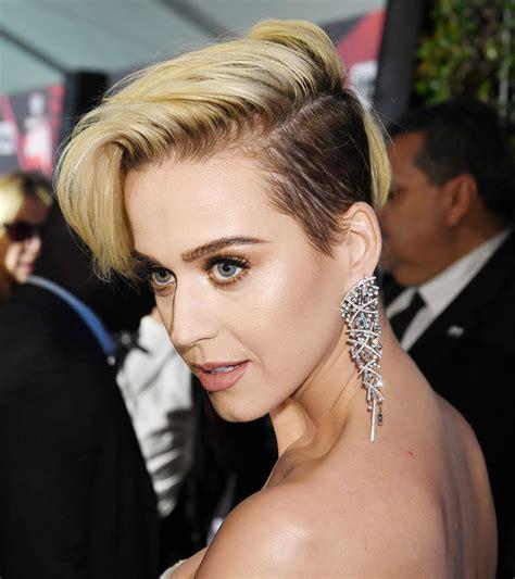 2017 iHeartRadio Music Awards Katy Perry Breakover Pixie