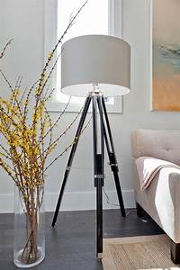 Stehlampe Für Wohnzimmer : stehlampe modern drei beine originelles design wohnvorschl ge einrichten ~ Frokenaadalensverden.com Haus und Dekorationen