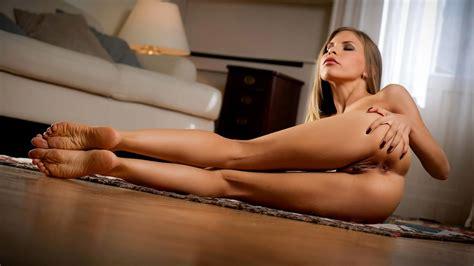The Anal Sex Queen Hot Blonde Slim Beauty Grabbing Her