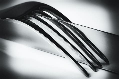 knife fork mirroring  photo  pixabay