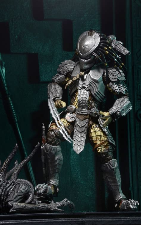 discontinued predator  scale action figures series