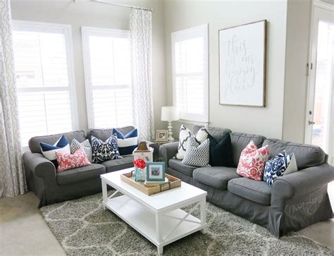 Living Room Colors That Pop by A Fresh Living Room With Pops Of Colors Navy Aqua Gray