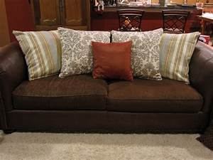 best sofa pillows design 2017 bee home plan home With decorate sectional sofa pillows