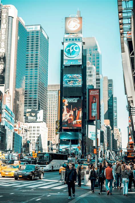 busy street  city  sunny day usa manhattan  york