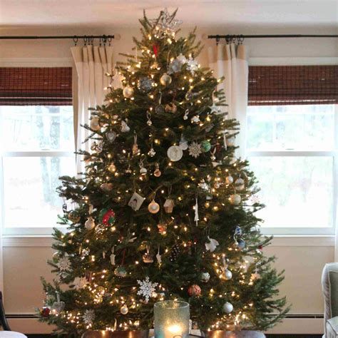 white  silver shimmer christmas tree decorating ideas