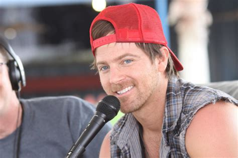 10 Hot Facts About Hunky Cmas Nominee Kip Moore