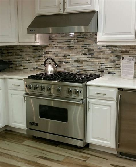 Glass Kitchen Backsplash Pictures by Pin By Arizona Tile On Glass Kitchen Backsplash