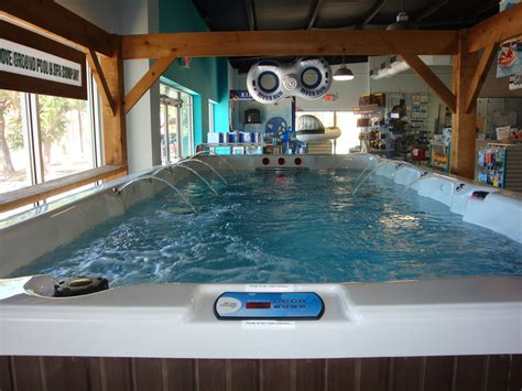 how much does it cost to operate a swim spa monthly