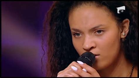 Enrica Tara, de la X Factor Italia, direct în fața milioanelor de români! - YouTube