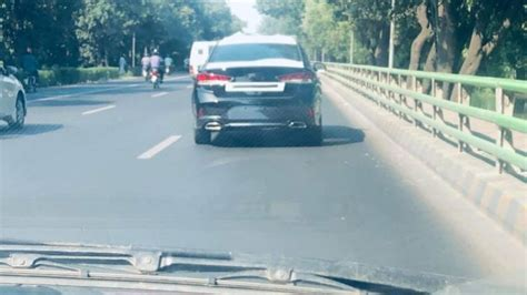 sedans   launched  pakistan   pakwheels blog