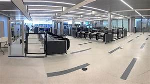 United Airlines gives Newark Liberty security screening a ...