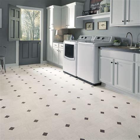 kitchen vinyl sheet flooring 194 best images about vinyl sheet flooring on 6387