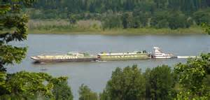 File:Tidewater Barge - Columbia River.jpg - Wikimedia Commons