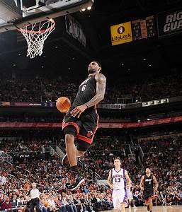 Lebron James Dunks Lebron James Miami Heat Pinterest