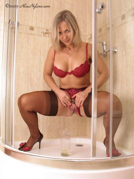 Milf Ala Nylons Pee Sexy Erotic Girls Nude Picture Bluedols
