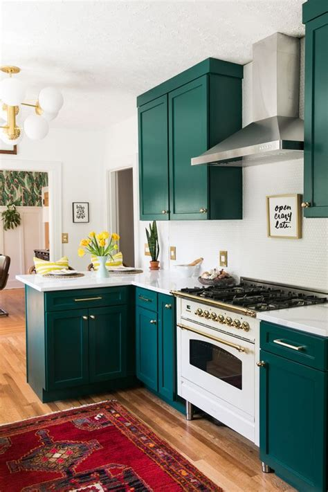 green  white kitchen decor ideas digsdigs