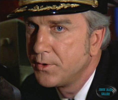 leslie nielsen the poseidon adventure leslie nielsen captain harrison