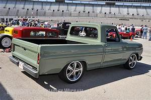 Garage Ford Montgeron : gas monkey shop truck gas monkey garage hottest builds pinterest shops trucks and colors ~ Gottalentnigeria.com Avis de Voitures