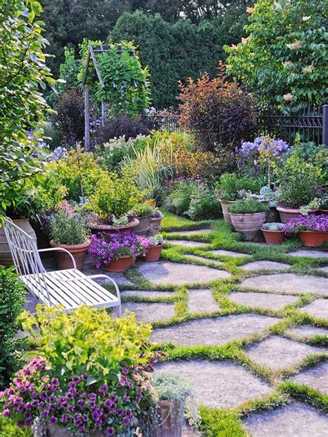 Gorgeous Garden Historic Home by Gorgeous Garden At A Historic Home Gardening Ideas
