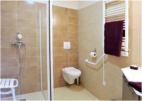 les solutions pour une salle de bain s 233 curis 233 e et 233 conomique amenagement du domicile