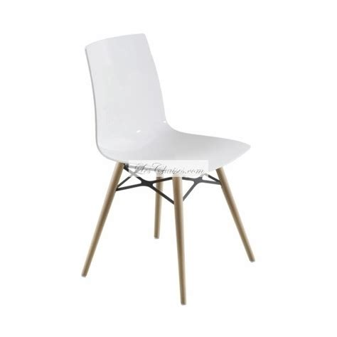 chaise blanche bois chaise blanche et bois white side chair with elm wood