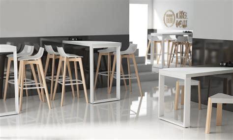 table de cuisine fix馥 au mur cuisine avec table bar great cuisine avec table bar ides de cuisine moderne avec lot bar ou table manger with cuisine avec table bar finest plan